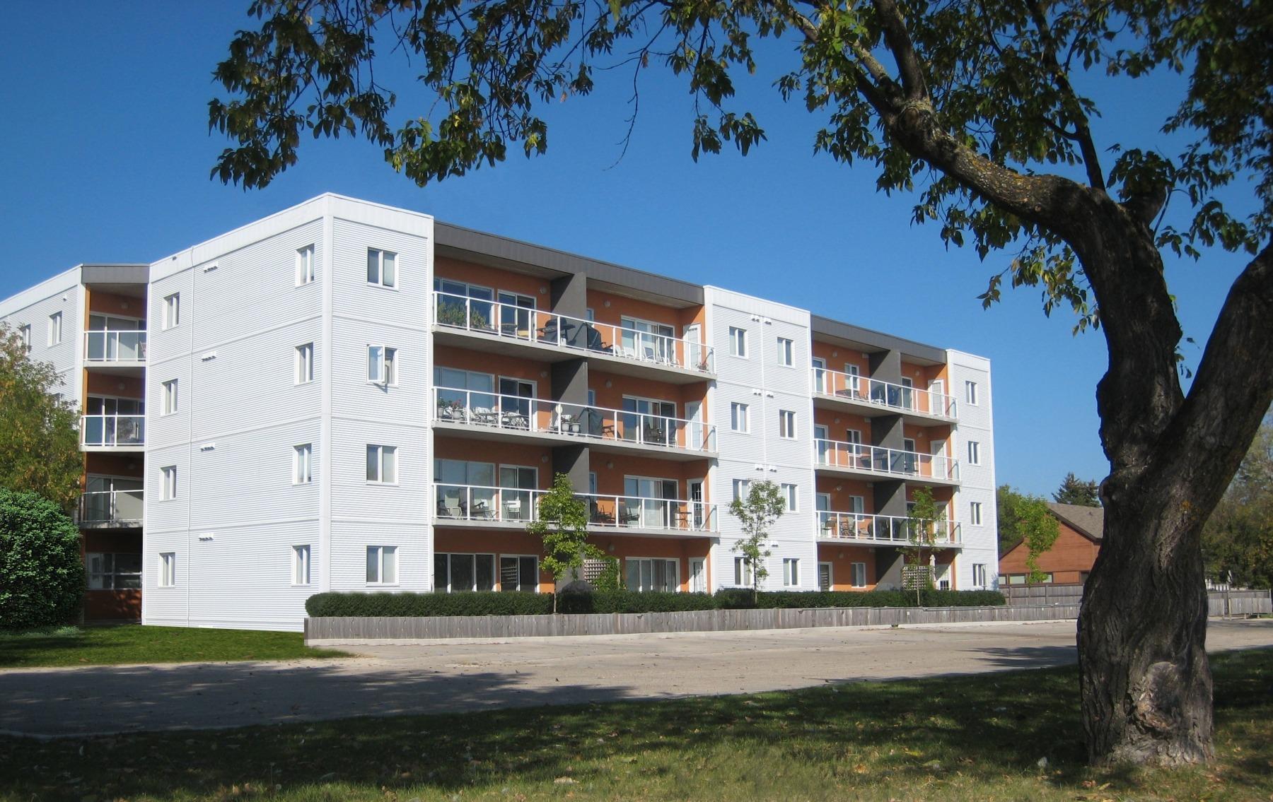 Gimli Shores Condominiums